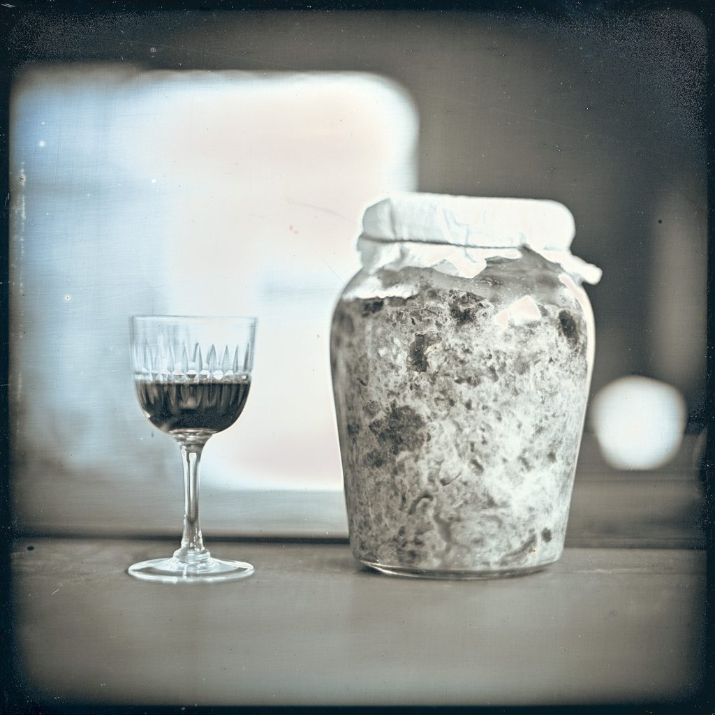 Daily D-type: 2 Jan 2021, A Whiskey Glass and a Jar of Persimmon Vinegar (After a party), Kawasaki